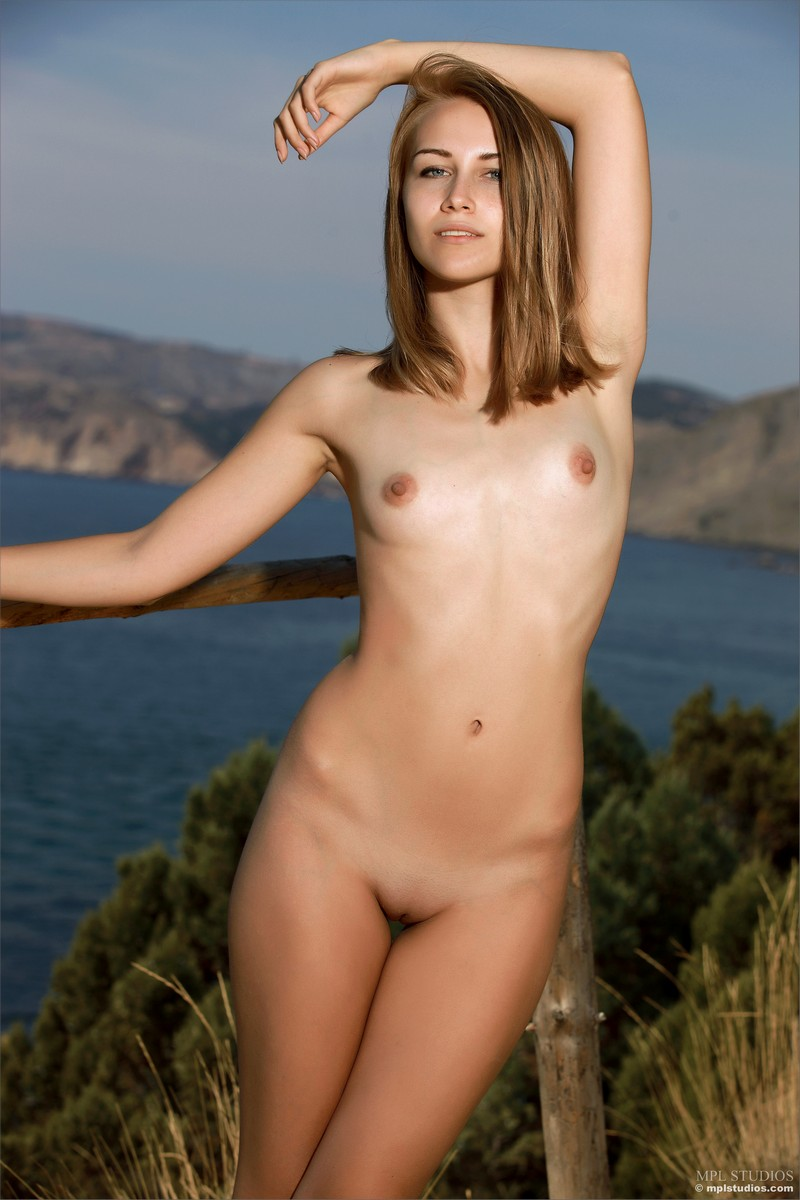 Nude juniors model